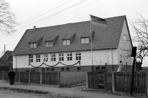 ARH NL Dierssen 1130/0022, Schuleinweihung, Wassel, 1951