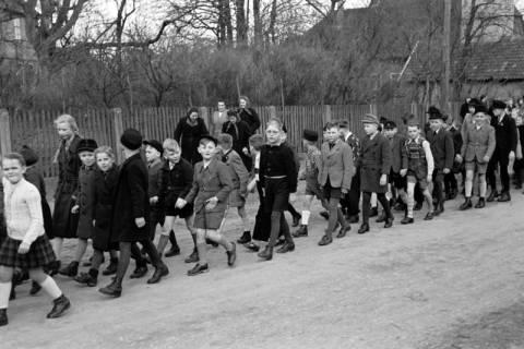 ARH NL Dierssen 1130/0026, Schuleinweihung, Wassel, 1951