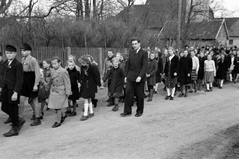 ARH NL Dierssen 1130/0027, Schuleinweihung, Wassel, 1951