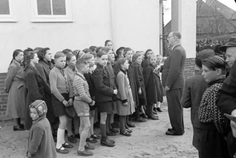 ARH NL Dierssen 1130/0029, Schuleinweihung, Wassel, 1951