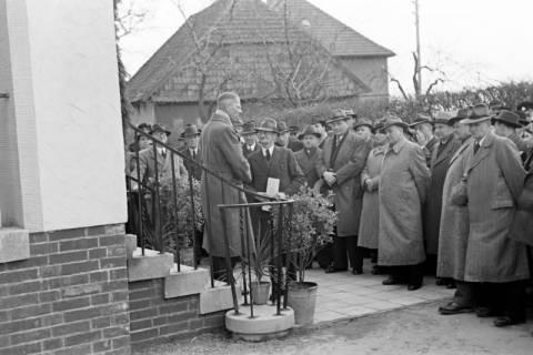 ARH NL Dierssen 1131/0002, Schuleinweihung, Wassel, 1951