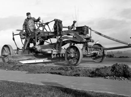 ARH NL Dierssen 1133/0022, Straßenhobel, Springe, 1951