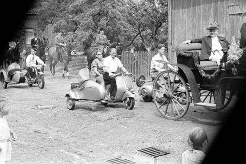 ARH NL Dierssen 1138/0013, Schützenfest, Schulenburg, 1951