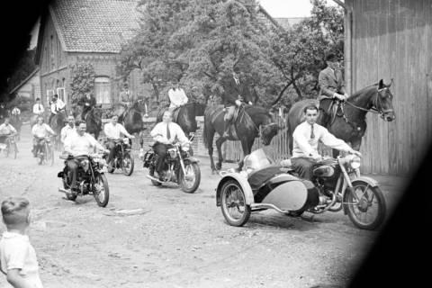 ARH NL Dierssen 1138/0014, Schützenfest, Schulenburg, 1951