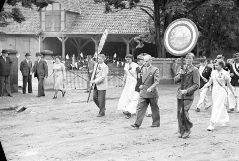 ARH NL Dierssen 1138/0015, Schützenfest, Schulenburg, 1951
