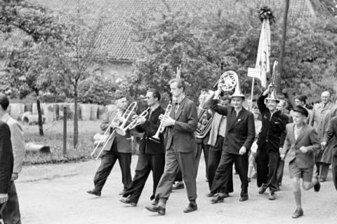 ARH NL Dierssen 1138/0017, Schützenfest, Schulenburg, 1951