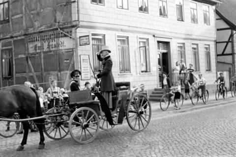 ARH NL Dierssen 1140/0013, Ausrufer der Grenzbegehung, Springe, 1951