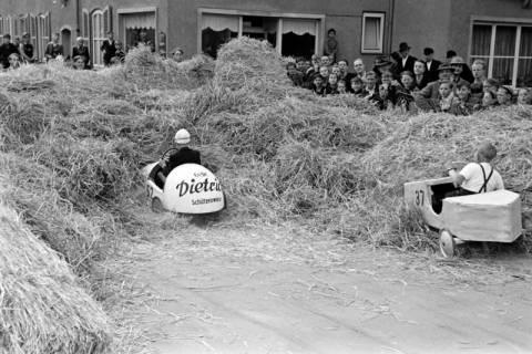 ARH NL Dierssen 1141/0008, Seifenkistenrennen, Hildesheim, 1951