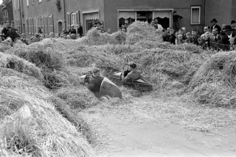 ARH NL Dierssen 1141/0009, Seifenkistenrennen, Hildesheim, 1951