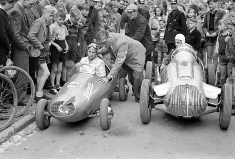 ARH NL Dierssen 1141/0013, Seifenkistenrennen, Hildesheim, 1951