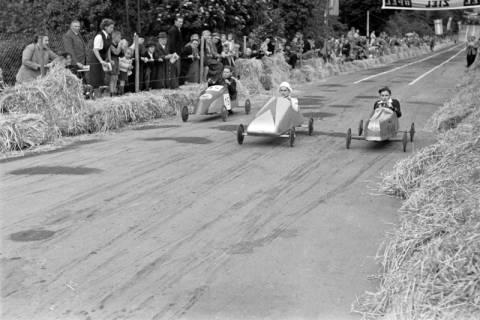 ARH NL Dierssen 1141/0014, Seifenkistenrennen, Hildesheim, 1951
