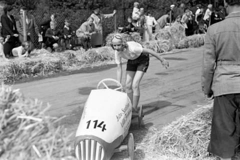 ARH NL Dierssen 1141/0015, Seifenkistenrennen, Hildesheim, 1951