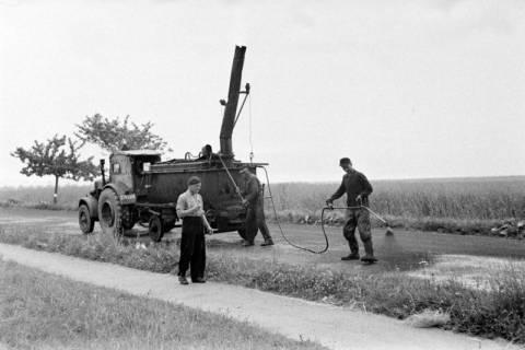 ARH NL Dierssen 1145/0022, Straßenausbesserung, Springe, 1951