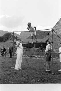ARH NL Dierssen 1147/0008, Kreissportfest, Springe, 1951