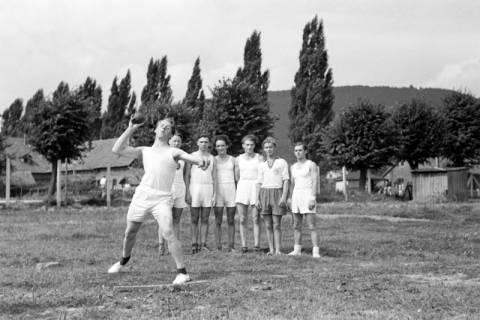 ARH NL Dierssen 1147/0014, Kreissportfest, Springe, 1951