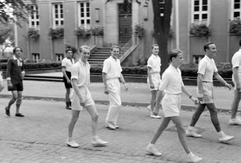 ARH NL Dierssen 1147/0017, Kreissportfest, Springe, 1951