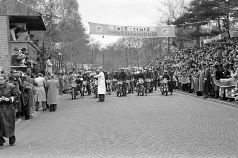 ARH NL Dierssen 1153/0022, Eilenriederennen, Hannover, 1951