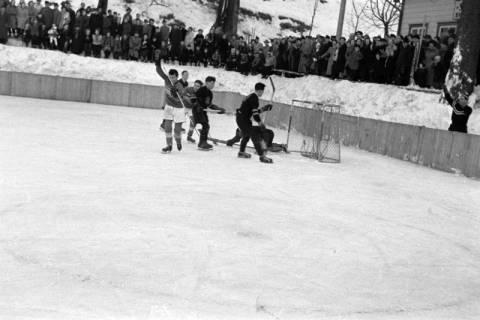 ARH NL Dierssen 1172/0008, Deutsche Jugendmeisterschaft in Eishockey, Clausthal-Zellerfeld, 1952