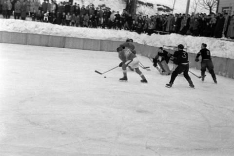 ARH NL Dierssen 1172/0010, Deutsche Jugendmeisterschaft in Eishockey, Clausthal-Zellerfeld, 1952