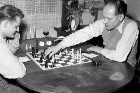 ARH NL Dierssen 1179/0006, Schachspieler, Eimbeckhausen, 1952