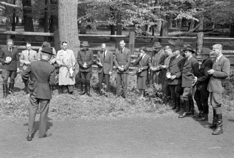 ARH NL Dierssen 1183/0004, Jägerprüfung im Saupark, Springe, 1952