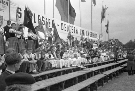 ARH NL Dierssen 1192/0002, Schlesiertreffen, Hannover, 1952