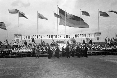 ARH NL Dierssen 1192/0007, Schlesiertreffen, Hannover, 1952