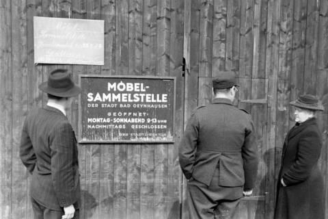 ARH NL Dierssen 1193/0012, Möbel-Sammelstelle der Stadt, Reportage, Bad Oeynhausen, 1952