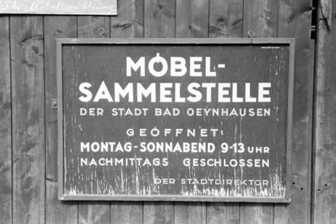 ARH NL Dierssen 1193/0013, Möbel-Sammelstelle der Stadt, Reportage, Bad Oeynhausen, 1952