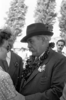 ARH NL Dierssen 1199/0020, Hinrich Wilhelm Kopf auf dem Schützenfest, Hannover, 1952