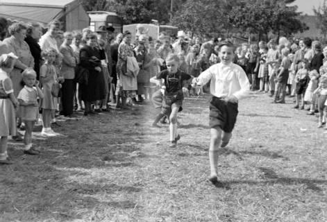ARH NL Dierssen 1199/0023, Kinderschützenfest, Eldagsen, 1952