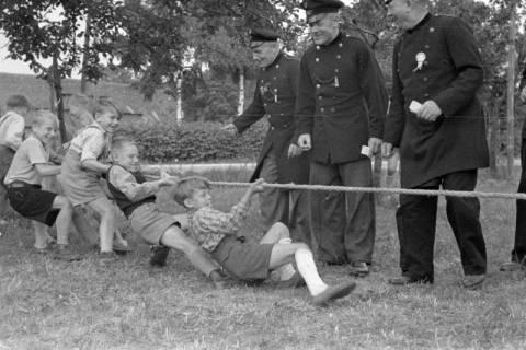 ARH NL Dierssen 1199/0027, Kinderschützenfest, Eldagsen, 1952