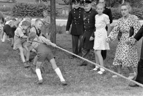ARH NL Dierssen 1199/0028, Kinderschützenfest, Eldagsen, 1952