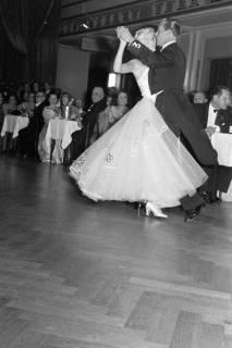 ARH NL Dierssen 1200/0003, Tanztunier, Bad Pyrmont, 1952