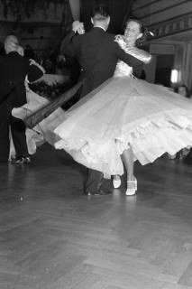 ARH NL Dierssen 1200/0008, Tanztunier, Bad Pyrmont, 1952