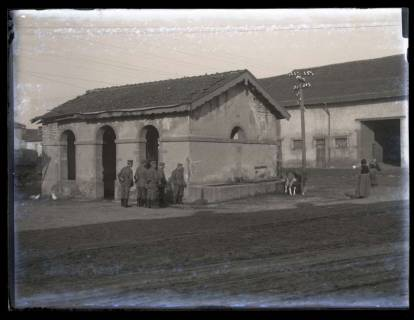 ARH NL Kageler 18, 1. Weltkrieg, Soldaten in einer Ortschaft, Frankreich, zwischen 1914/1918