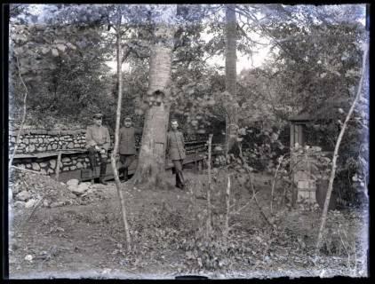 ARH NL Kageler 34, 1. Weltkrieg, Soldaten vor einem Unterstand, Frankreich, zwischen 1912/1918