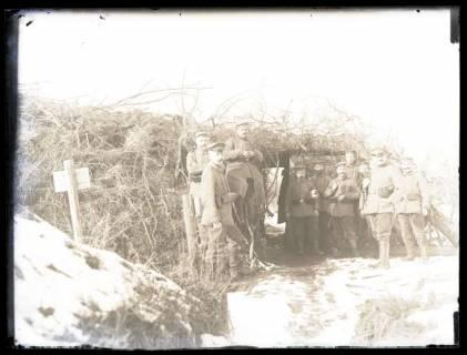 ARH NL Kageler 44, 1. Weltkrieg, Soldaten vor einer Stellung, Frankreich, zwischen 1914/1918