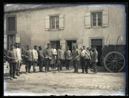 ARH NL Kageler 46, 1. Weltkrieg, Essensausgabe in Gravelotte, Frankreich, zwischen 1914/1918
