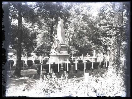 ARH NL Kageler 58, 1. Weltkrieg, Friedhof und Denkmal, Frankreich, zwischen 1914/1918