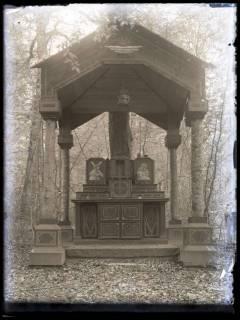 ARH NL Kageler 71, 1. Weltkrieg, Altar im Wald, Frankreich, zwischen 1914/1918