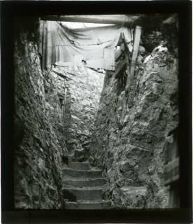 ARH NL Kageler 103, 1. Weltkrieg, Graben mit Blende, Maashöhen, Frankreich, zwischen 1914/1918