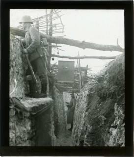 ARH NL Kageler 111, 1. Weltkrieg, Graben mit Posten, Maashöhen, Frankreich, zwischen 1914/1918