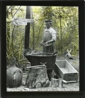 ARH NL Kageler 117, 1. Weltkrieg, Seifensieder im Wald bei Unterhofen (Secourt), Frankreich, zwischen 1914/1918