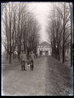 ARH NL Kageler 146, 1. Weltkrieg, Allee zum Schloss Brieux?, Frankreich, zwischen 1914/1918