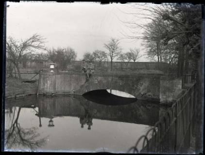 ARH NL Kageler 147, 1. Weltkrieg, Brücke zum Schloss Brieux?, Frankreich, zwischen 1914/1918