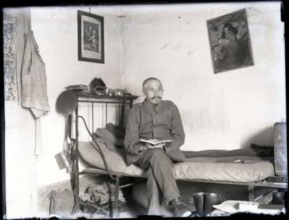 ARH NL Kageler 158, 1. Weltkrieg, Soldat im Quartier, Frankreich, zwischen 1914/1918