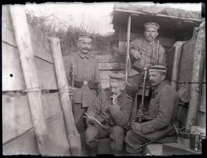 ARH NL Kageler 172, 1. Weltkrieg, Soldaten in Schützengraben, Frankreich, zwischen 1914/1918