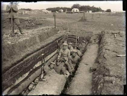 ARH NL Kageler 175, 1. Weltkrieg, kleiner Unterstand, Frankreich, zwischen 1914/1918