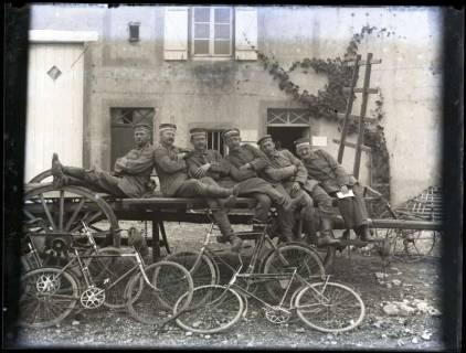 ARH NL Kageler 195, 1. Weltkrieg, Soldaten mit Fahrrädern, Frankreich, zwischen 1914/1918